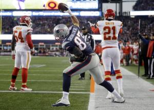 New England Patriots tight end Rob Gronkowski (87) celebrates his touchdown against the Kansas City Chiefs in the first half of an NFL divisional playoff football game, Saturday, Jan. 16, 2016, in Foxborough, Mass. (AP Photo/Steven Senne)