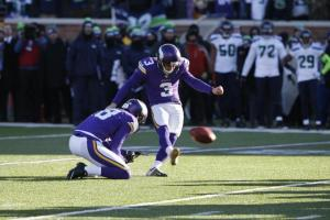 Minnesota Vikings kicker Blair Walsh (3) misses a field goal late in the second half of an NFL wild-card football game against the Seattle Seahawks, Sunday, Jan. 10, 2016, in Minneapolis. The Seahawks won 10-9. (AP Photo/Jim Mone)