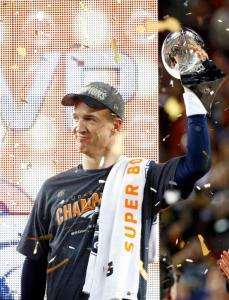 Denver Broncos' quarterback Peyton Manning holds the Vince Lombardi Trophy after the Broncos defeated the Carolina Panthers in the NFL's Super Bowl 50 football game in Santa Clara, California February 7, 2016. REUTERS/Mike Blake